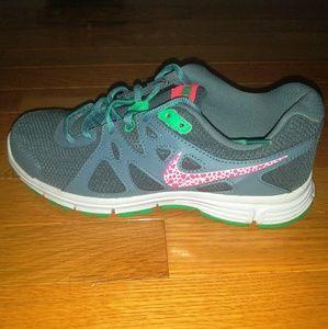 Women's Nike Revolution 2 - Size 7